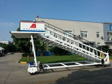 China Portable Airplane Steps Ladder Diesel Driven 2300 To 3600 mm Height supplier