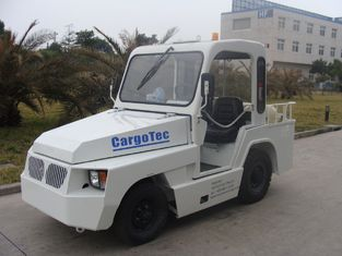 China 25 KN Draw Bar Pull Baggage Towing Tractor Automatic / Manual Transmission supplier