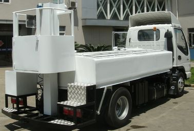 High Capacity Portable Water Truck Provide Drinking Water To A340 / A330 / A300